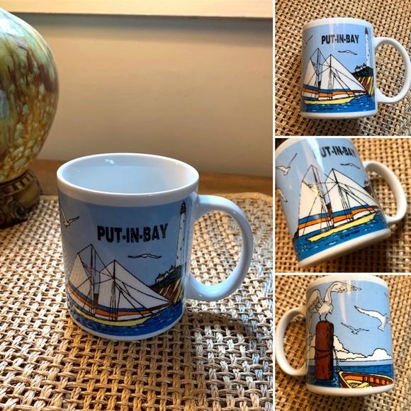 🦋2/$10 3/$15 4/$18 5/$20 Vintage Souvenir Mug